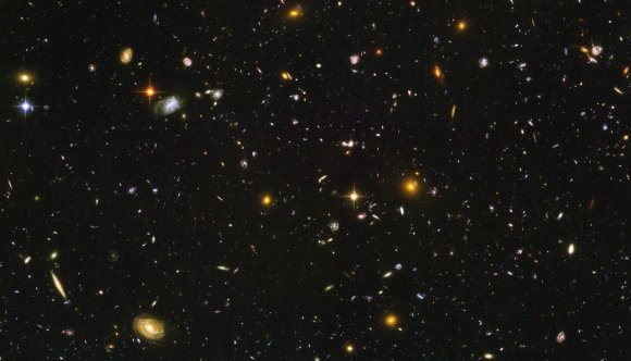 The Hubble Ultra Deep Field in optical light